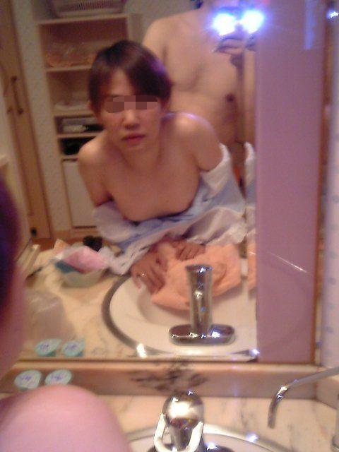 【素人ハメ撮りエロ画像】これが本物素人のプライベートセックス!?鏡に写した自撮りSEXが強烈にエロいンゴwww その13