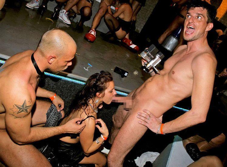 【SEXパーティーエロ画像】クラブで酔った外国人自然とおっぱじめてしまうセックスパーティーが羨ましすぎて今すぐ移住したいwww その2