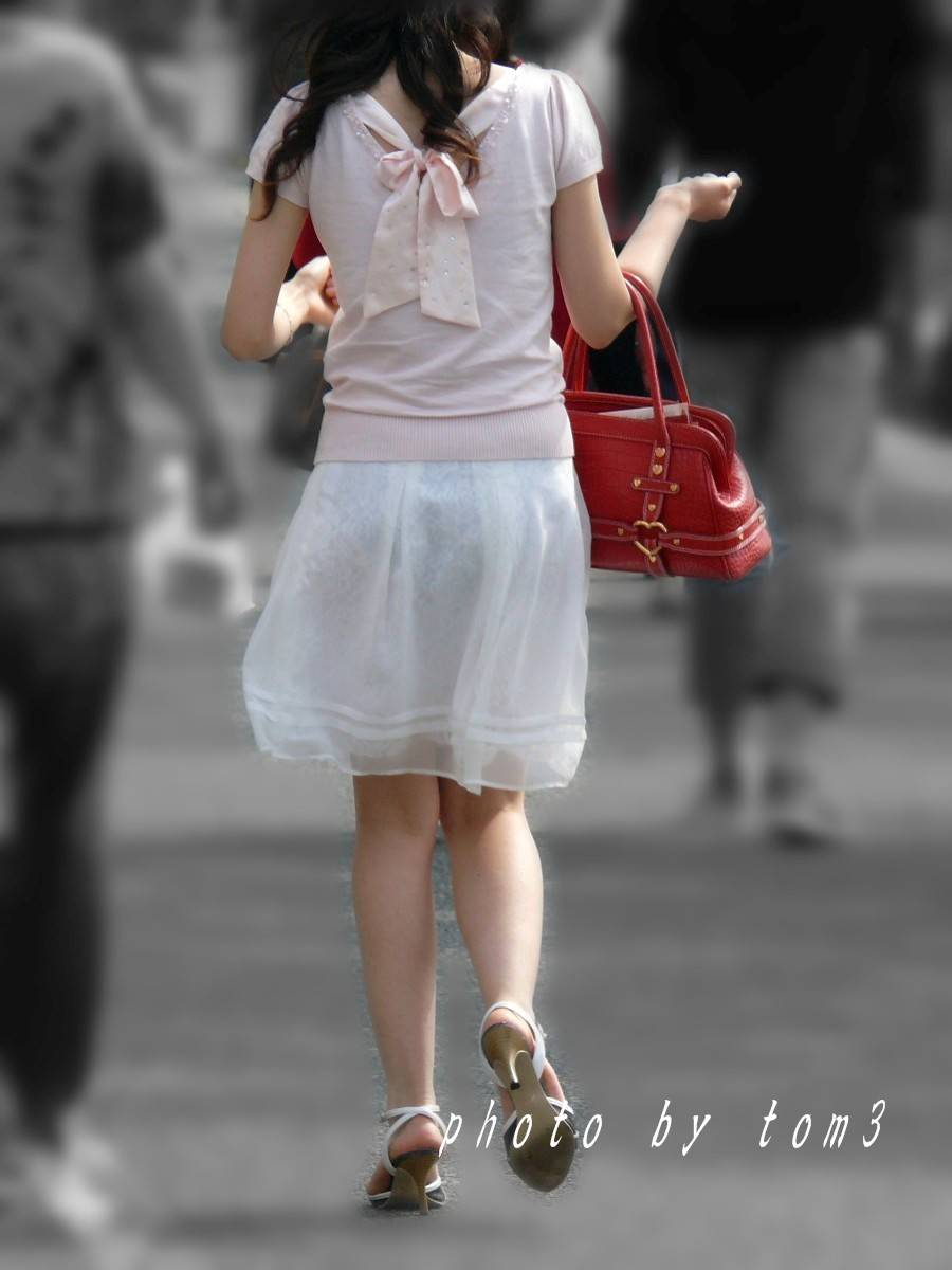【透けパン盗撮】すげー!!パンツ透け透けやんwww痴女レベルで下着が透けてる街撮り盗撮! その5