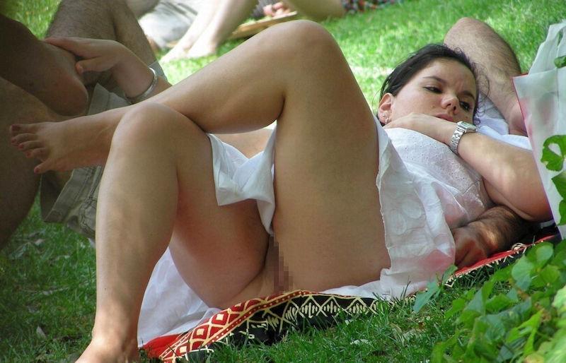 【ノーパン派女子】暑い季節はさらに増えるノーパン派女子!海外旅行するなら夏に限るマンチラ画像www その12