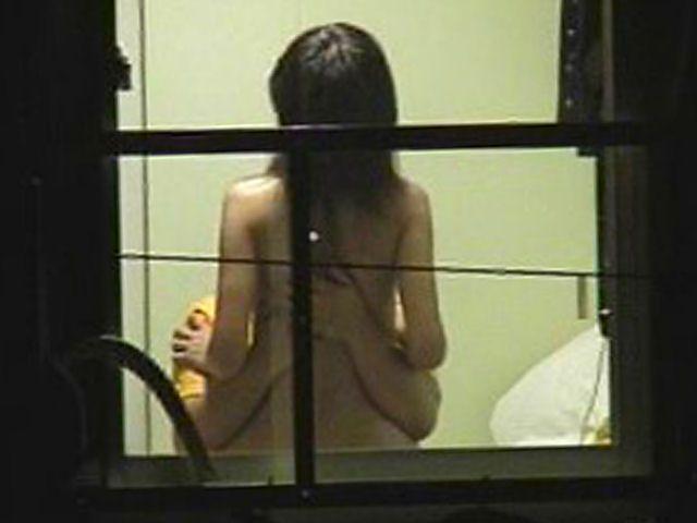 【民家盗撮】カーテンも閉めずにセックスするカップルが以外にも多いという事実…まる見えの民家盗撮! その6