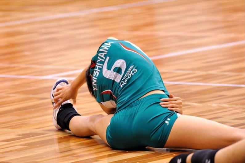 【女子バレーエロ画像】女子バレーボール選手のこの尻…ユニホームが喰い込んだケツのエロさが異常www その6