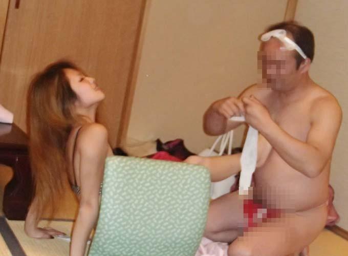 【ピンクコンパニオン】世界がドン引きする日本の宴会風景…ピンクコンパニオンを呼んで乱痴気騒ぎwww その2