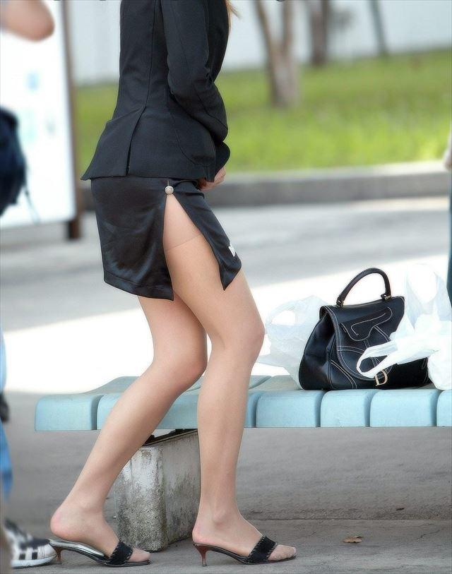 【スリットエロ画像】これは反則級のエロさ!生で見たら痴漢不可避…サイドスリットのスカートがやばすぎるwww その9