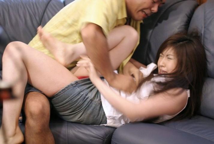【レイプ画像】いっやぁぁぁぁぁ~!!女の子の悲痛な叫び声が聞こえてきそうなほど生々しいレイプ現場www その8