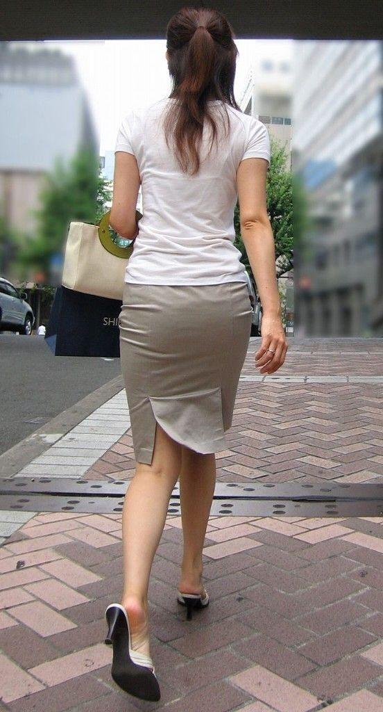 【街撮りOL エロ画像】エッチな尻してんなぁ…ピチピチのタイトスカートがそそるOLさんがこちら! その7