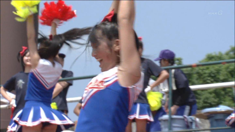 【チアガールエロ画像】夏の甲子園が待ちきれない…TVカメラマンも狙っている高校チアガールの腋フェチ画像 その5