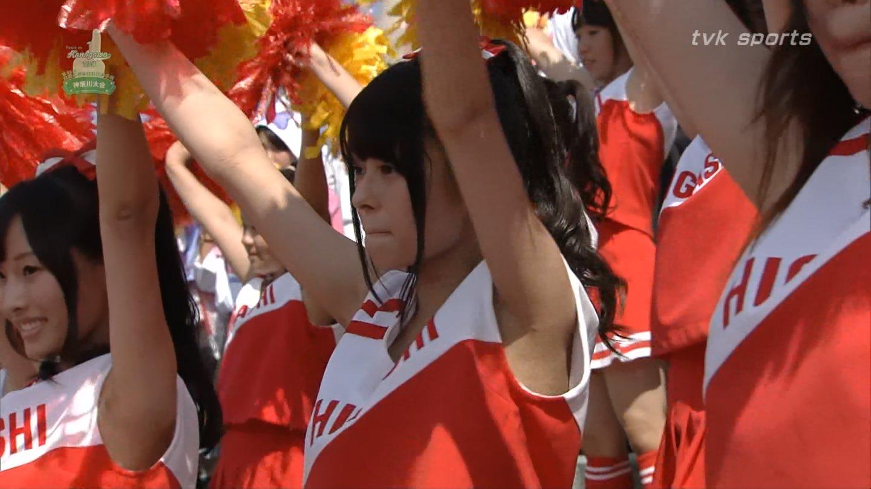 【チアガールエロ画像】夏の甲子園が待ちきれない…TVカメラマンも狙っている高校チアガールの腋フェチ画像 その13