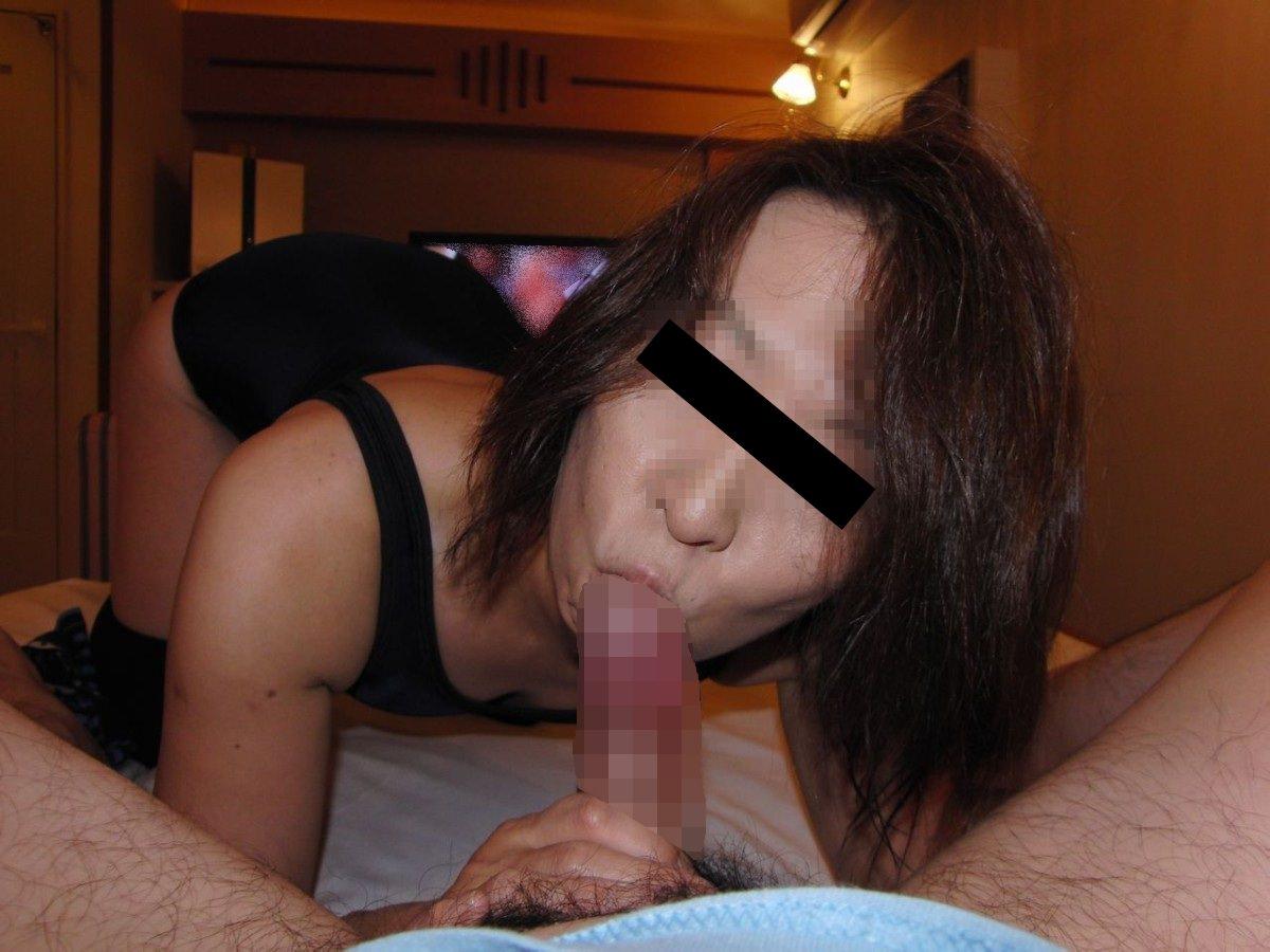 【素人フェラエロ画像】彼氏のチンポをしゃぶる素人娘…ぶっちゃけAV女優よりエロい素人のフェラチオwww その2