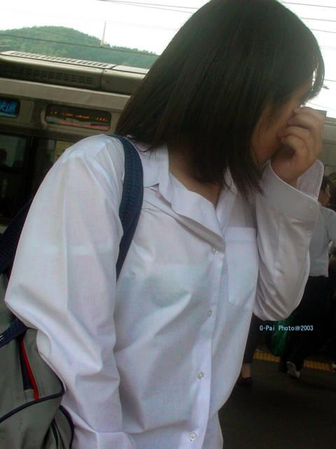 【JK透けブラエロ画像】淫らな妄想が捗るっ!!夏服になった女子高生の透け透けブラジャーに勃起がとまらないwww その6