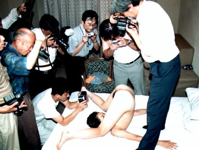 【素人ヌードエロ画像】マンションの一室やホテルで秘密裏に行われている素人のヌード撮影会がガチですげー!! その2
